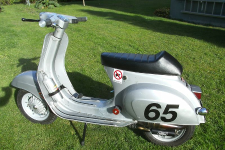 """Fast response, fast shipping and good parts which fit my Vespa well!"" Christer aus Kristinehamn / Schweden"
